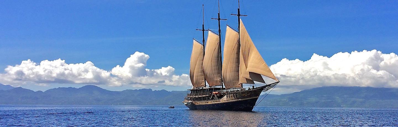 Le WAOW, Phinisi bateau de croisière plongée, navigue en Indonésie,Raja Ampat, Papouasie, Moluques, mer de Seram, Halmahera, Manado, Lembeh Strait et Alor